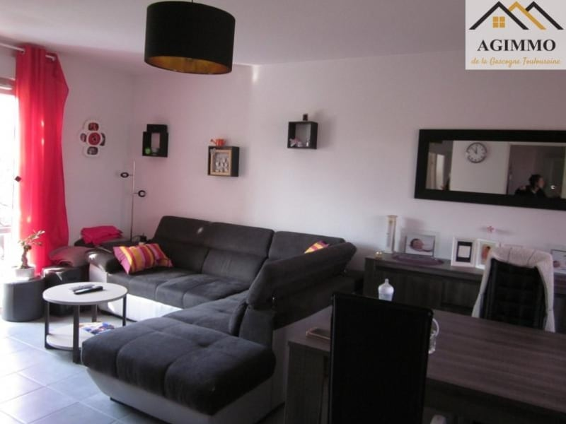 Rental apartment L isle jourdain 650€ CC - Picture 3