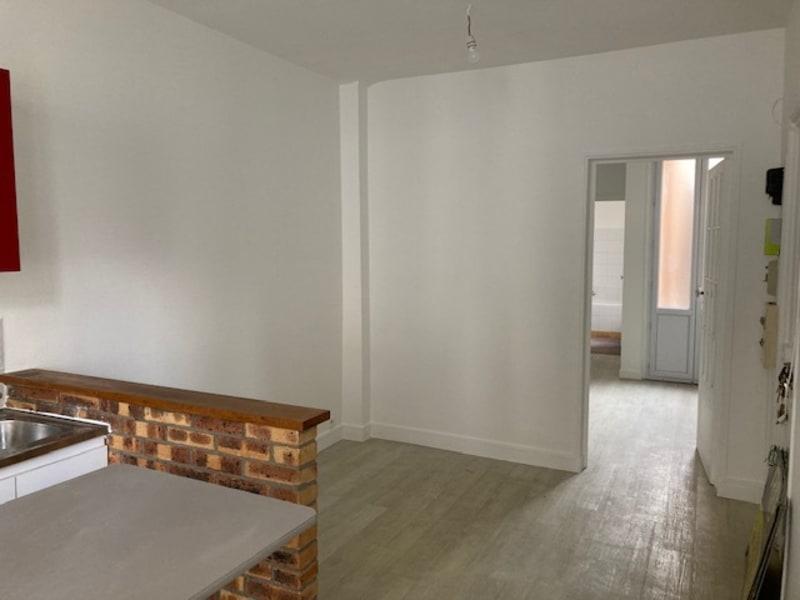 Rental apartment Courbevoie 725€ CC - Picture 3