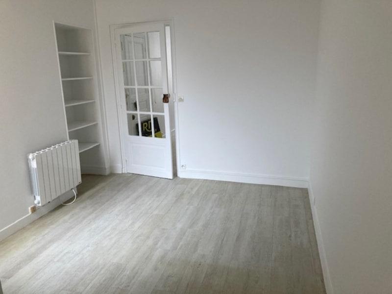 Rental apartment Courbevoie 725€ CC - Picture 5
