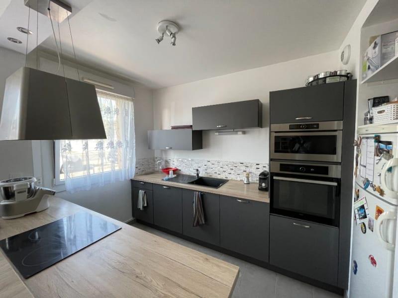 Sale apartment Sartrouville 272000€ - Picture 2