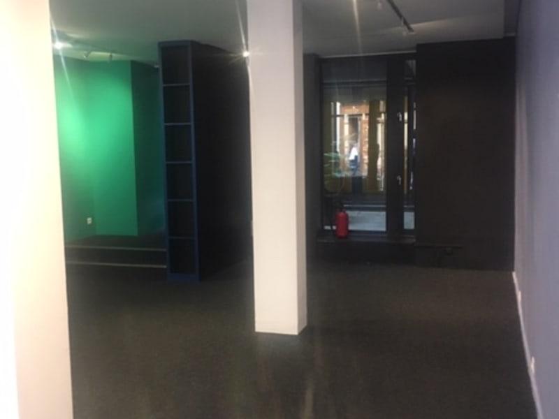 Rental empty room/storage Paris 4ème 11000€ CC - Picture 3