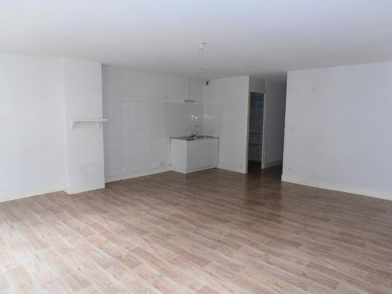 Rental apartment Nantua 388€ CC - Picture 1