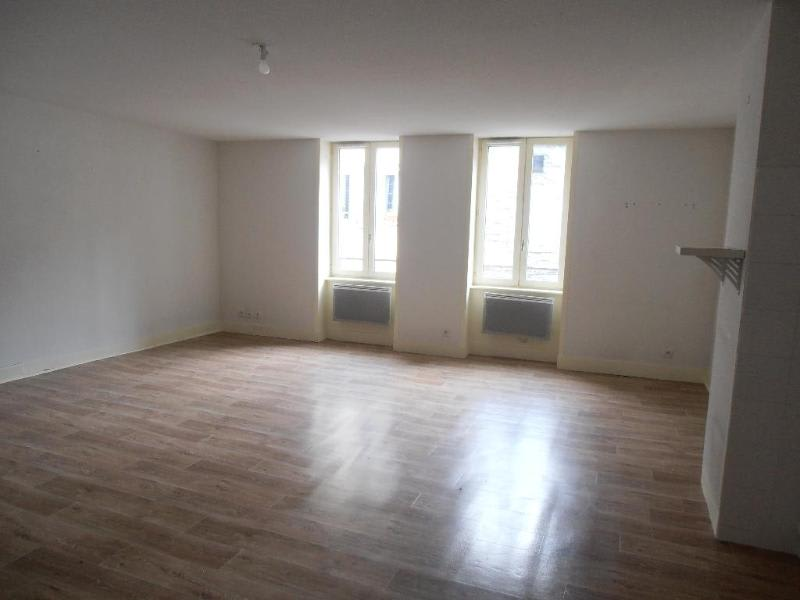 Rental apartment Nantua 388€ CC - Picture 2