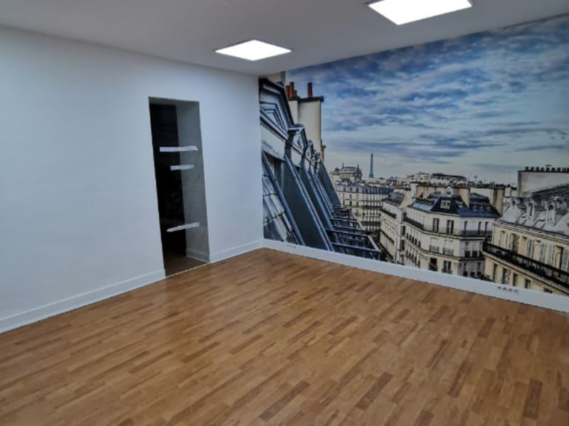 Rental office Paris 10ème 3225€ HC - Picture 3