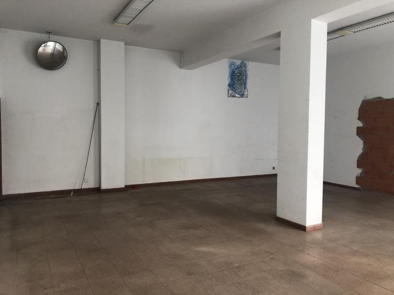 Rental empty room/storage Propriano 545,83€ HC - Picture 3
