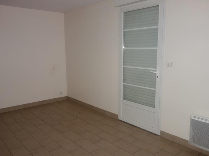 Location appartement La roche sur yon 470€ CC - Photo 2