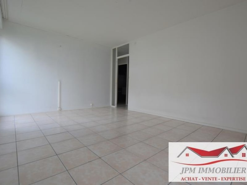 Sale apartment Cluses 93 000€ - Picture 3