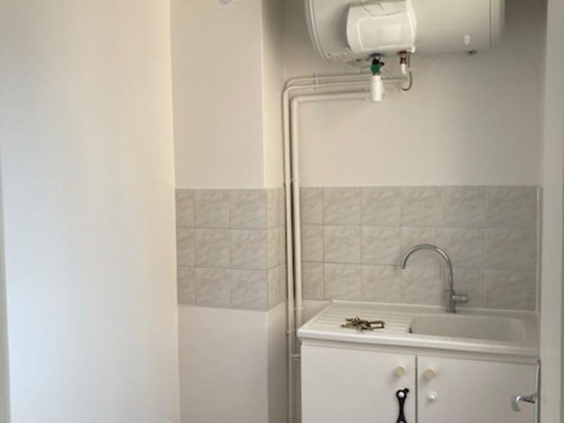 Rental apartment Courbevoie 805€ CC - Picture 5