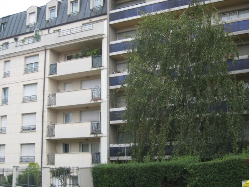 Rental apartment Le kremlin bicetre 826€ CC - Picture 1