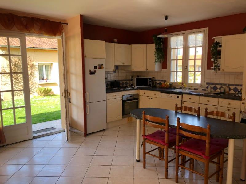 Sale house / villa Vetheuil 325000€ - Picture 1