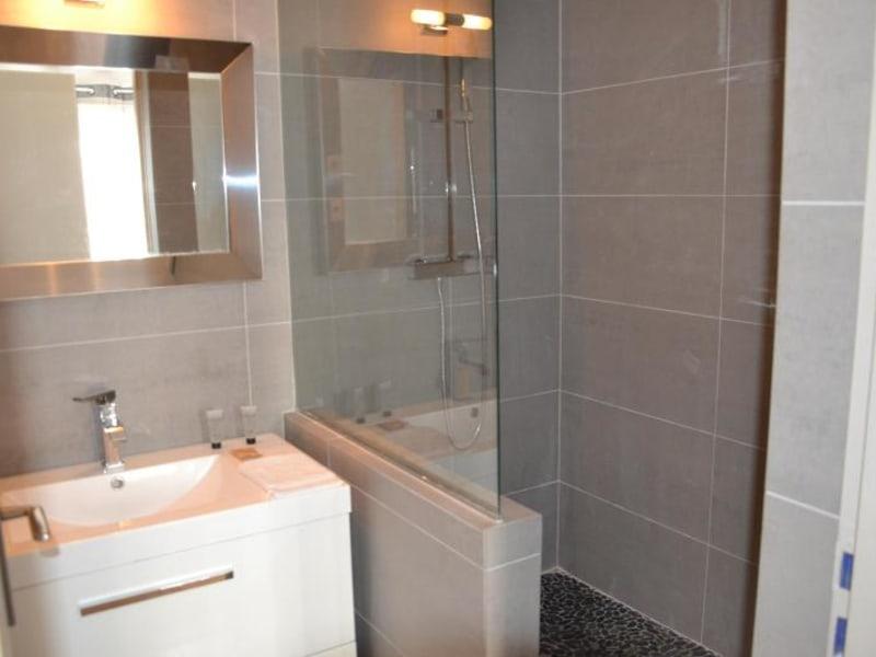 Rental apartment Lyon 3ème 1757€ CC - Picture 4