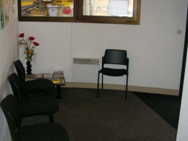 Location local commercial Floirac 460€ HC - Photo 4