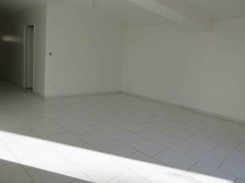 Vente maison / villa Fontaine la guyon 235000€ - Photo 4