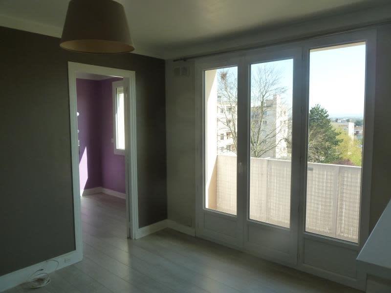Rental apartment Conflans 696,09€ CC - Picture 1