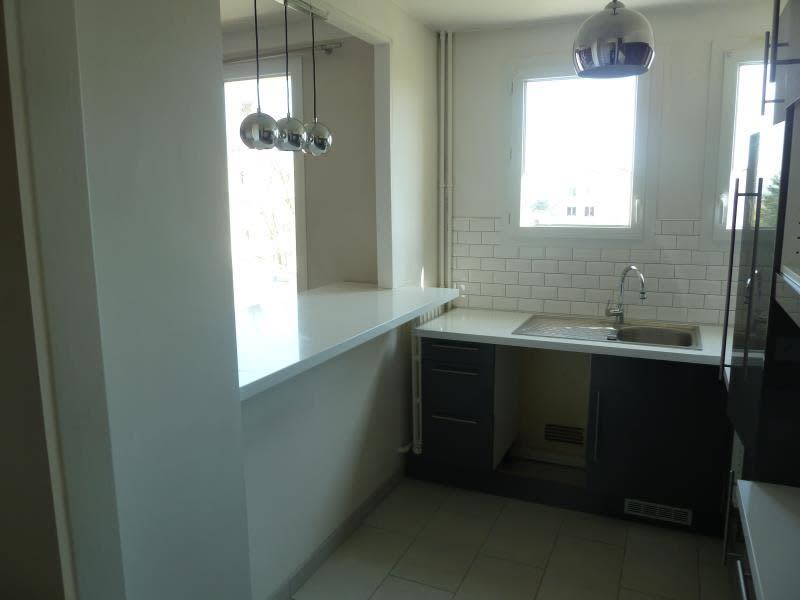 Rental apartment Conflans 696,09€ CC - Picture 2