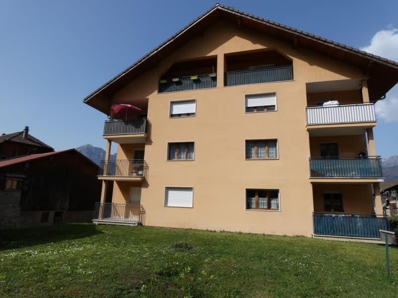 Location appartement Marn?az 815€ CC - Photo 2
