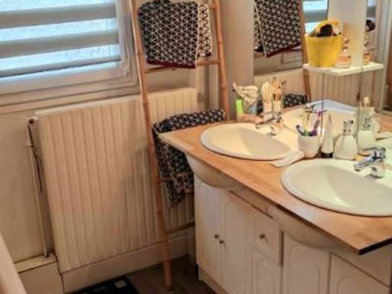Vente maison / villa Maurepas 338445€ - Photo 7
