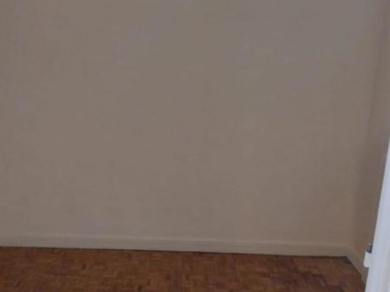 Location appartement Paris 11ème 1 130€ CC - Photo 7