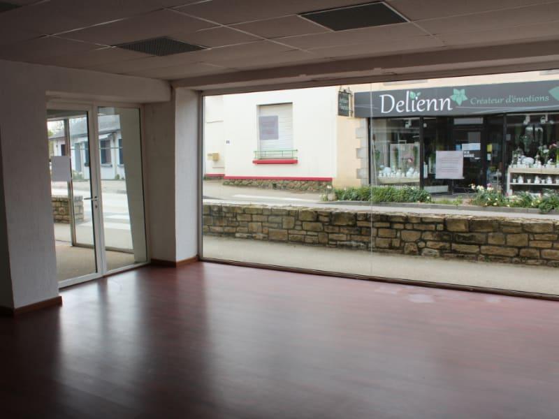 Location local commercial Clohars carnoet 720€ HC - Photo 2