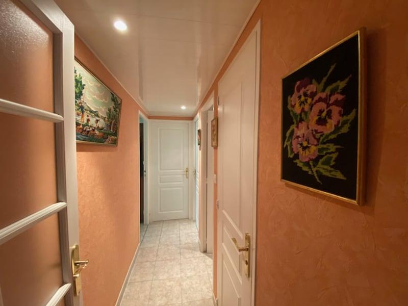 Sale apartment Carnoux 198000€ - Picture 2