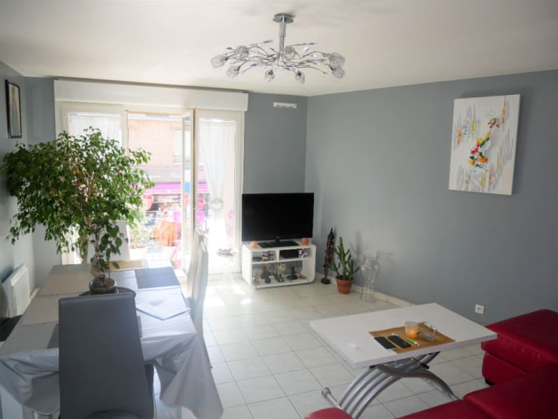 Sale apartment Poissy 285 000€ - Picture 2