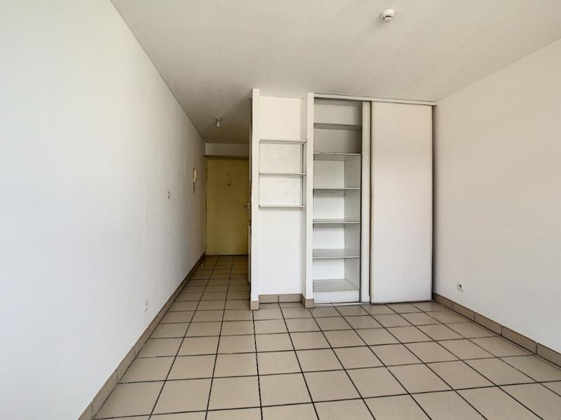 Rental apartment Saint pierre 380€ CC - Picture 2