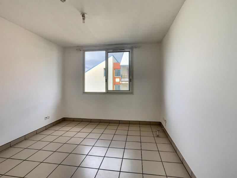 Rental apartment Saint pierre 380€ CC - Picture 3