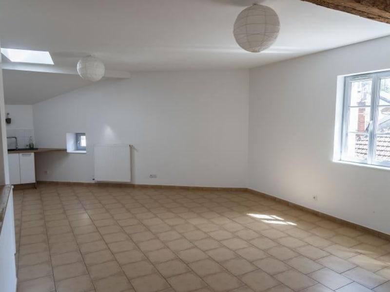 Location appartement Nantua 596€ CC - Photo 2