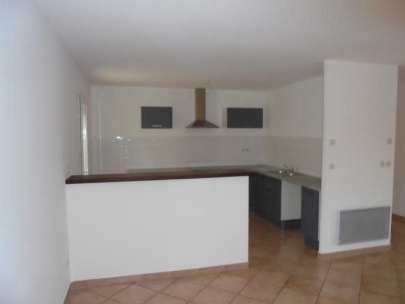 Location maison / villa Garons 990€ CC - Photo 3