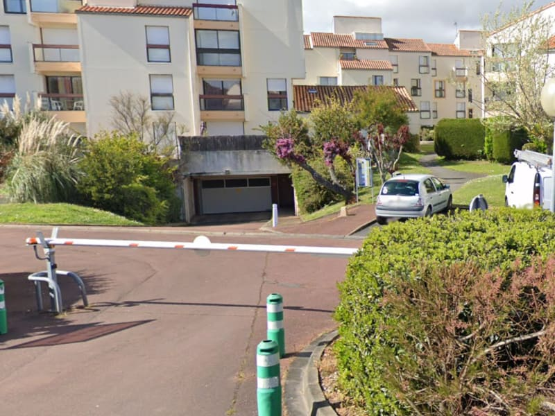 Location parking La rochelle 90€ CC - Photo 1