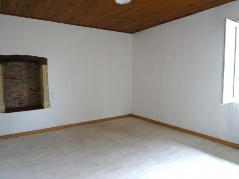 Location appartement St vincent de boisset 510€ CC - Photo 3