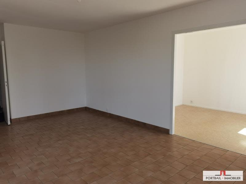 Location maison / villa Blaye 797€ CC - Photo 4
