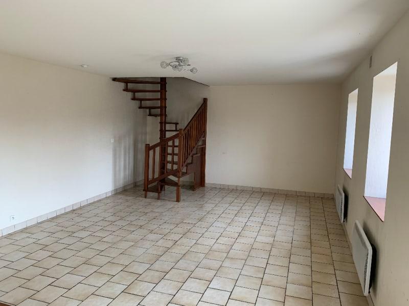 Rental house / villa Aiffres 560€ CC - Picture 2