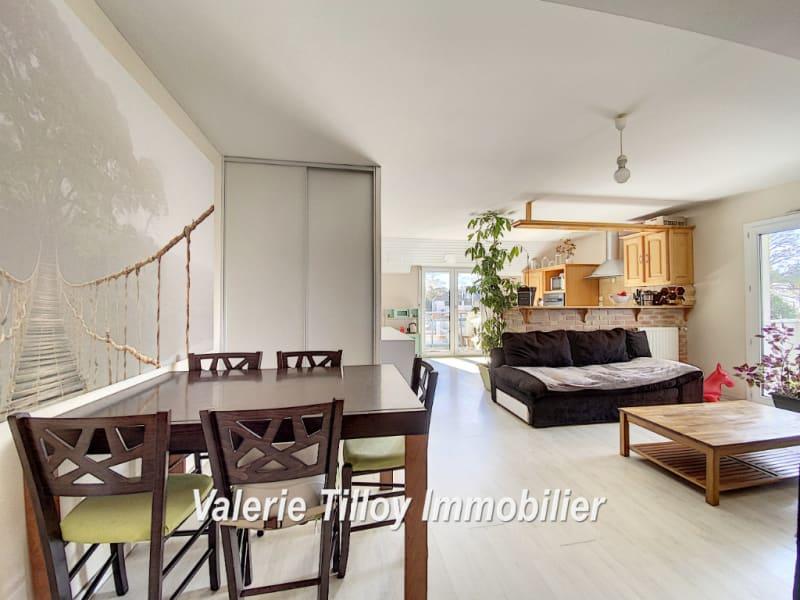 Sale apartment Bruz 217350€ - Picture 2