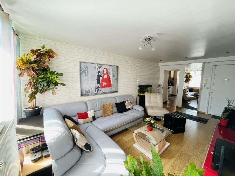 Sale apartment Villemomble 261000€ - Picture 1