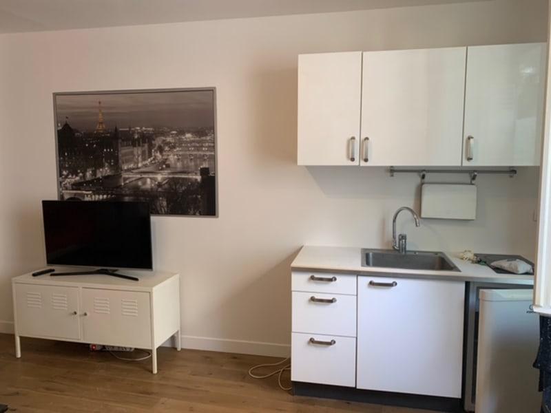 Location appartement Paris 3ème 1100€ CC - Photo 5