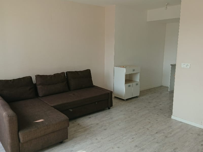 Rental apartment Athis mons 750€ CC - Picture 2