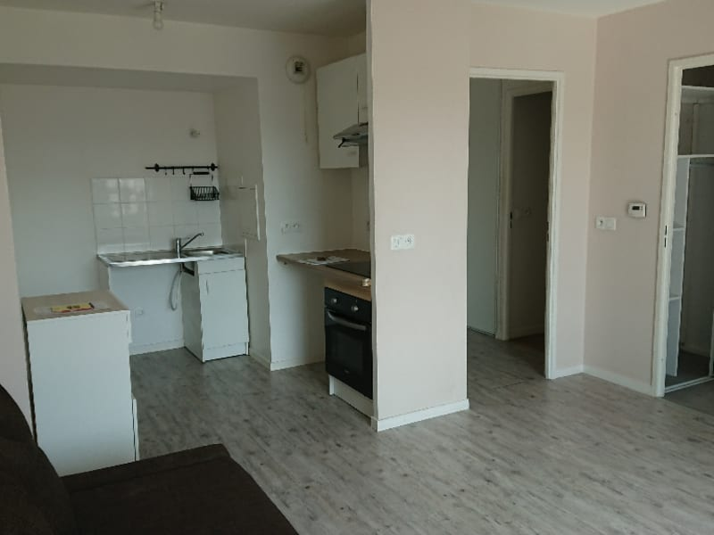 Rental apartment Athis mons 750€ CC - Picture 3