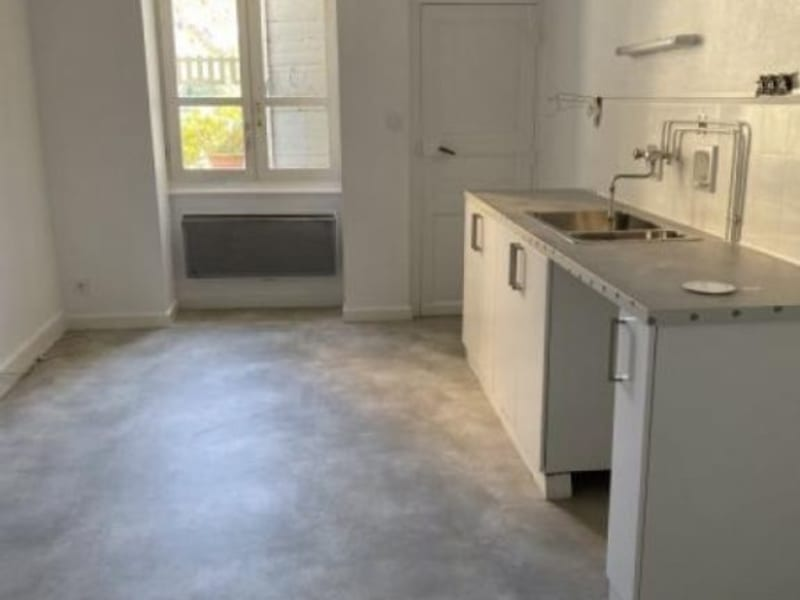 Rental apartment Ste colombe 630€ CC - Picture 2