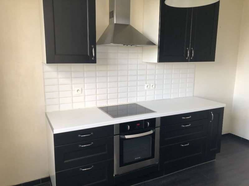 Location appartement Oullins 840€ CC - Photo 3