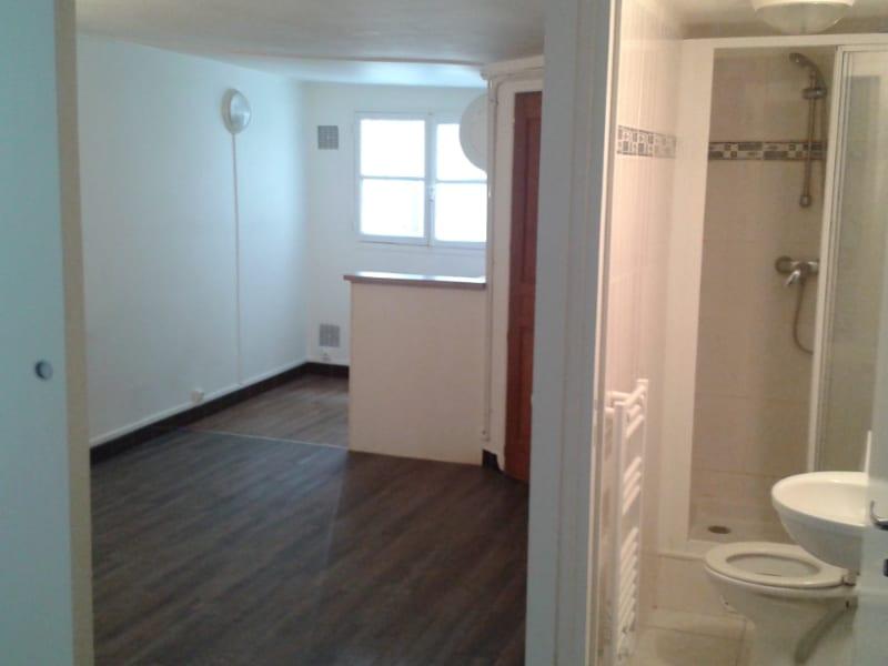 Rental apartment Paris 5ème 880€ CC - Picture 1