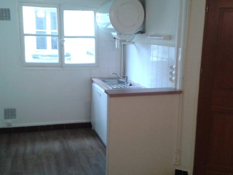 Rental apartment Paris 5ème 880€ CC - Picture 2