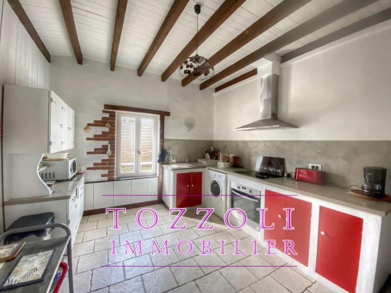 Sale house / villa Mezeriat 330000€ - Picture 5