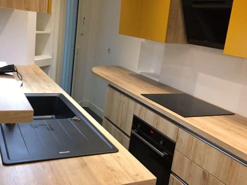 Location appartement Paris 16ème 2600€ CC - Photo 9