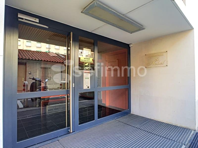 Location appartement Marseille 5ème 507€ CC - Photo 10