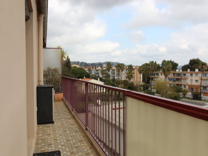 Vendita appartamento Hyeres 65900€ - Fotografia 11
