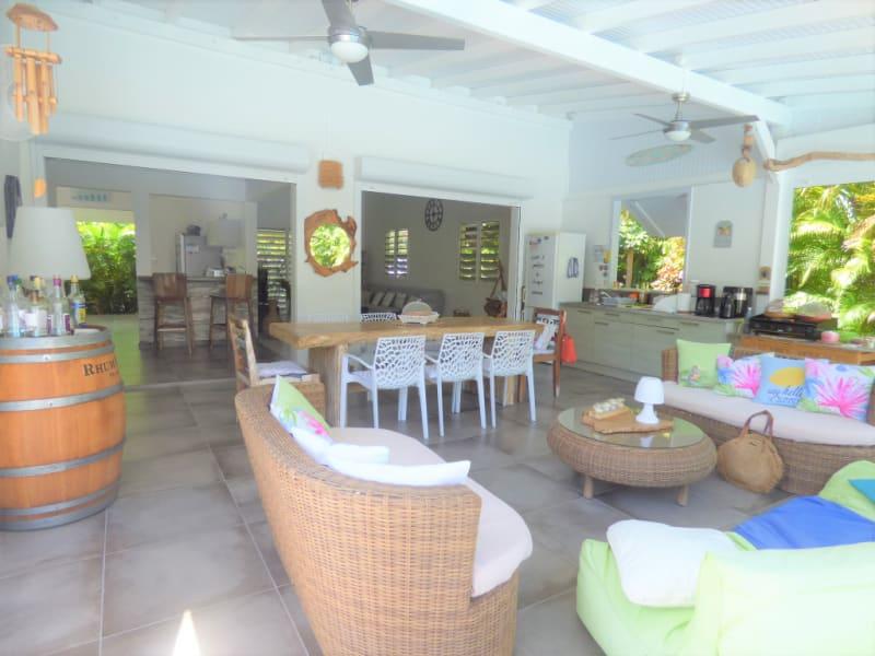 Villa avec bungalow et piscine