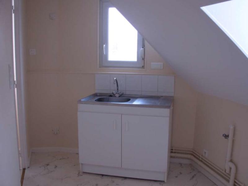 Rental apartment Saint quentin 345€ CC - Picture 3
