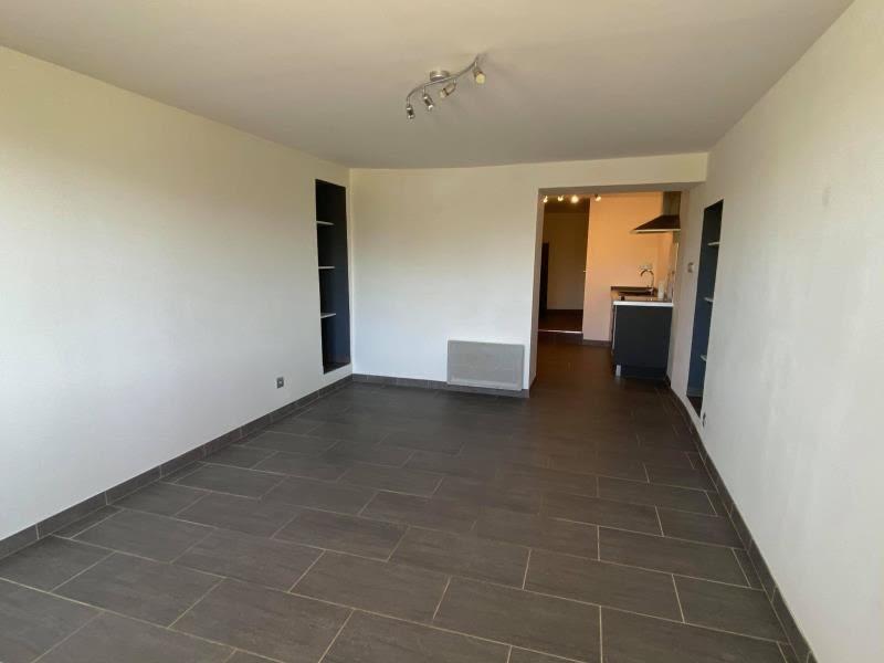 Rental apartment Charnecles 607,50€ CC - Picture 3