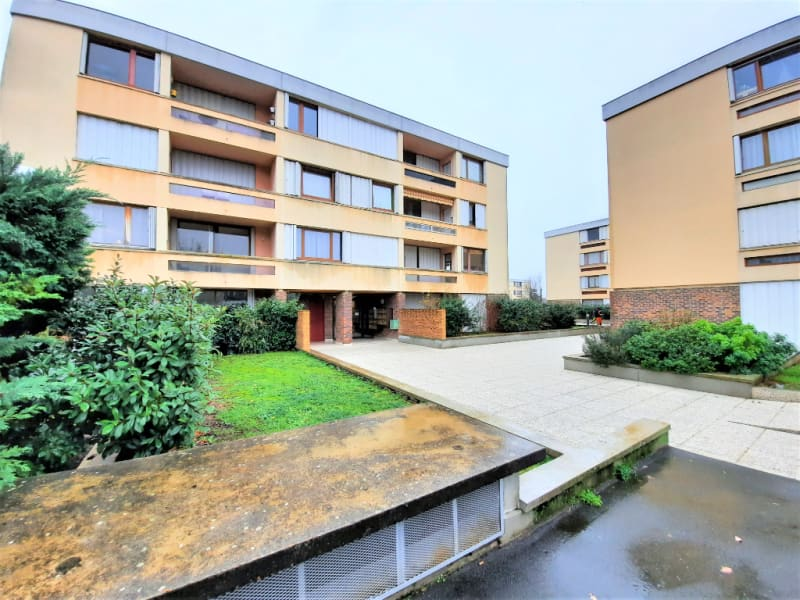 Rental apartment Andresy 783€ CC - Picture 1